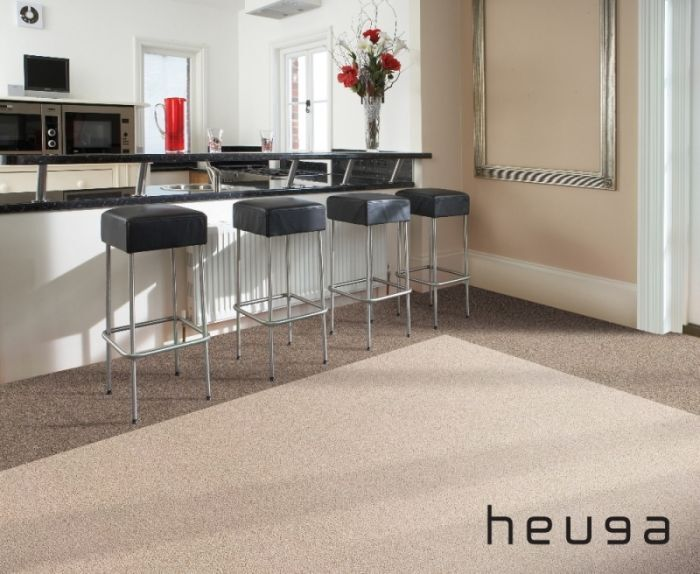 Looking for Heuga carpet tiles? Color Collection in the color Ivory is an excellent choice. View this and other carpet tiles in our webshop.